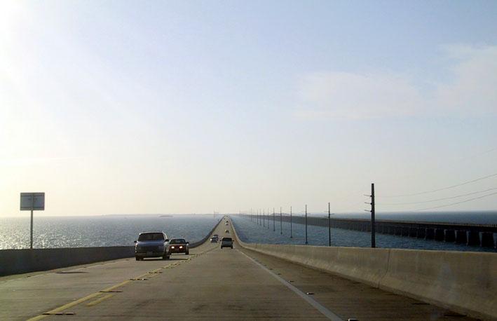 マイアミから、ひたすら南西へ向かって、車を